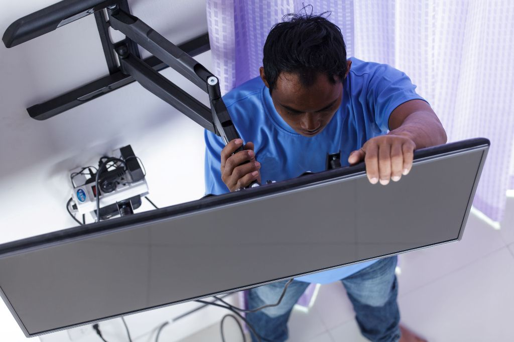 best way to mount flat screen tvs. Black Bedroom Furniture Sets. Home Design Ideas