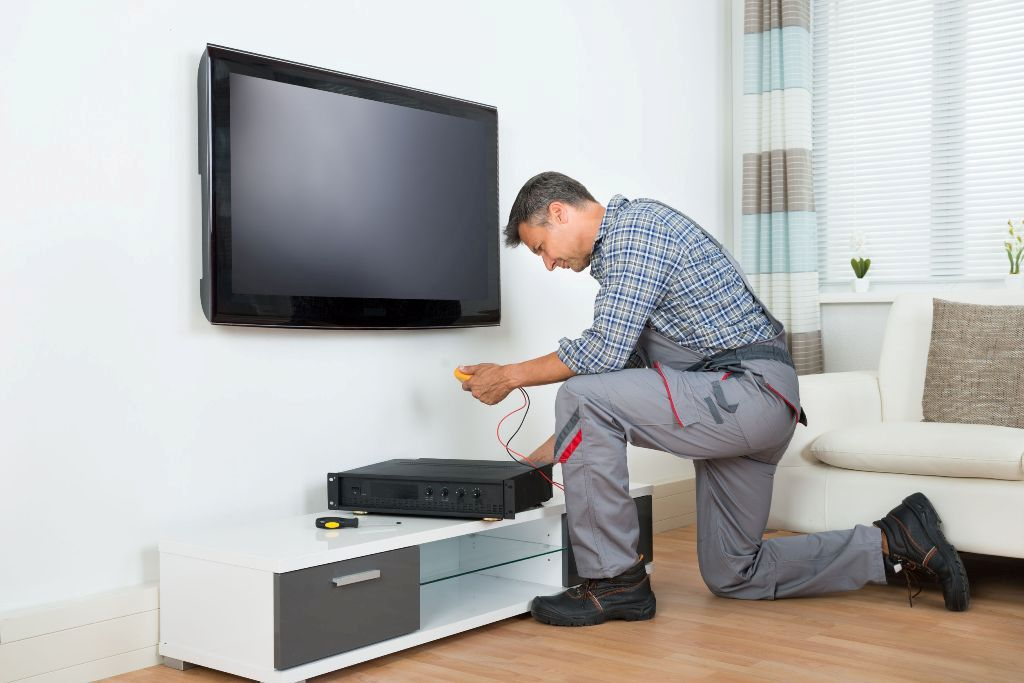 installation TV set top box at home