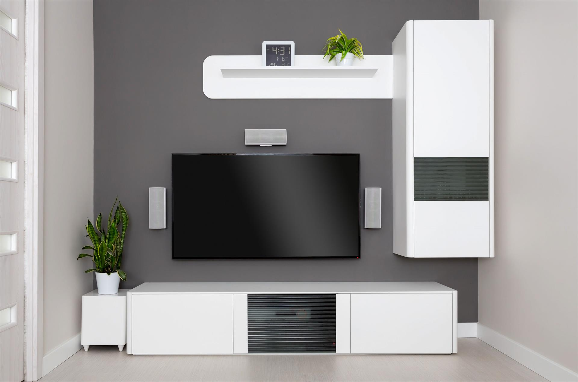 How Do You Mount Home Theater Speakers In Your Living Room
